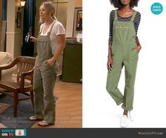 Penny's pineapple print t-shirt and green overalls on The Big Bang Theory.  Outfit Details: https://wornontv.net/70581/ #TheBigBangTheory