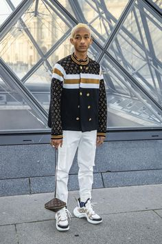 Jaden Smith wearing Louis Vuitton Pants and Louis Vuitton Shoulder Hip Hop Fashion, Fashion Show, Mens Fashion, Street Fashion, Latest Fashion, Jaden Smith Fashion, Gucci Leather Belt, British Fashion Awards, Men's Clothing