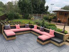 💗 💗 Time to enjoy these last few weeks of summer Garden ~Any shape~ ~Any size~ ~Any colour~ ~Any cover~ Summer Garden, Home And Garden, Custom Sofa, Garden Seating, Outdoor Furniture, Outdoor Decor, Decoration, Craftsman, Upholstery