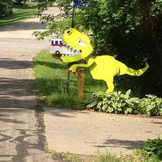47 Insanely unusual and cool mailboxes for your home - Home and Garden - DIY and Crafts - Home Decor - Travel Destinations - Christmas Funny Mailboxes, Unique Mailboxes, Painted Mailboxes, Custom Mailboxes, Diy Mailbox, Mailbox Decals, Mailbox Post, Mailbox Makeover, Going Postal