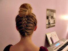 upsidedown braid+bun
