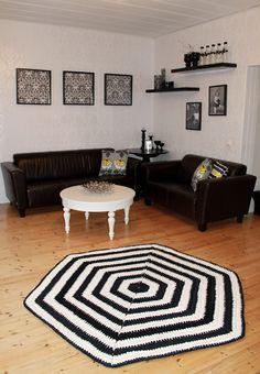 Molla Mills Hexagon carpet