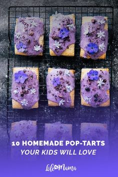 Those are some fancy pop tarts! Celebrate spring (and breakfast time) with homemade lemon curd pop-tarts topped with a natural blueberry icing and edible flowers! Köstliche Desserts, Delicious Desserts, Dessert Recipes, Yummy Food, Plated Desserts, Lemon Desserts, Pop Tart Recipes, Donut Recipes, Oven Recipes