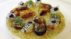 Luis Domínguez Rodríguez chef del restaurante Aponiente, se alzó con el premio del VII Concurso Bocados con Queso by Lactalis en Madrid Fusión 2017. Receta gourmet que se caracteriza por un punto de vista más gastronómico de este plato universal.