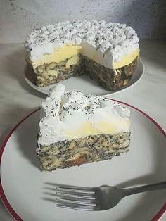 Mákos guba torta, ennél finomabb édességet én még nem kóstoltam! - Egyszerű Gyors Receptek Cookie Desserts, Sweet Desserts, Cookie Recipes, Delicious Desserts, Dessert Recipes, Yummy Food, Hungarian Desserts, Hungarian Recipes, Unique Recipes