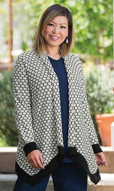 Honeycomb Drape Cardigan / MiB Plus Size Fashion for Women / Fall Fashion… Stylish Plus Size Clothing, Plus Size Fashion For Women, Plus Size Outfits, Plus Size Outerwear, Plus Size Coats, Fat Girl Outfits, Fashion Outfits, Plus Size Bodies, Drape Cardigan