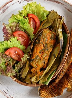 Pepes Ikan #Indonesian recipes #Indonesian cuisine #Asian recipes http://indostyles.com/