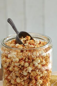 Satisfy your sweet-and-savory cravings with this recipe! Perfect for summer movie nights and your next afternoon neighborhood block party.
