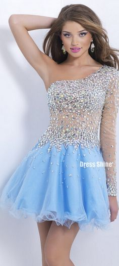 Now I don't say that a lot but this is probably one of the prettiest dresses I've ever seen Xoxo Rosie