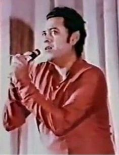 Old Bollywood Movies, Kishore Kumar, Legendary Singers, Legends, Actors, Retro, Music, Gold, Musica