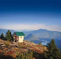 Hoofing it up the Sunshine Coast Trail to Tin Hat Hut pays off with a view of the Powell River backcountry. Great Places, Places To See, Powell River, Pallet House, Lake Cabins, Camper Life, Amazing Spaces, Cabin Homes, Sunshine Coast