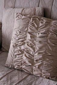 Tutorial on gathered throw pillow