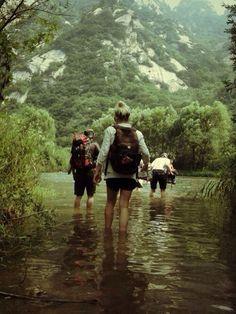 9 cosas que debes evitar si vas de campamento por primera vez con tus amigos