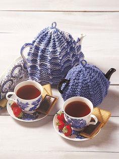 Tea Cosy Free Knitting Pattern via yarnspirations.com