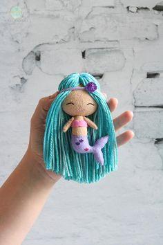 Mermaid Diy, Mermaid Gifts, Mermaid Dolls, Diy Xmas Gifts, Diy Baby Gifts, Diy Crochet Projects, Sewing Projects, Doll Crafts, Diy Doll