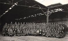 Plaza Argentina de la Estación Central. Imagen tomada el 27 de marzo de 1920.  Ya hemos hablado antes de los recorridos  de la locomoción co...