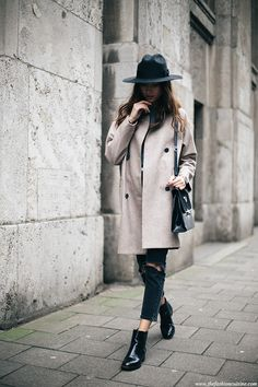 COCOON COAT & CHELSEA BOOTS The Fashion Cuisine waysify