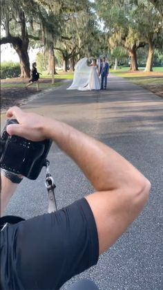 Film Photography Tips, Wedding Photography And Videography, Creative Photography, Cute Wedding Ideas, Wedding Pics, Bridal Pictures, Poses For Men, How To Pose, Asmr
