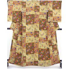 シボの入った柔らかなしっとりとした縮緬小紋です。薄茶ベージュと、茶色で格子状の色分に、手書き風のお花がいっぱいの柄です。八掛は濃い紫色ぼかしが付いていて、色柄が素敵なアンティークのような雰囲気のお着物です。  <シチュエーション> 小紋着物ですので、カジュアルにお召し頂けるお着物です。 名古屋帯や半幅帯、おしゃれ袋帯などと合わせて、街着、ショッピング、ちょっとしたお出かけから普段着用などにお使い頂けます。  <風合> シボの入った柔らかい縮緬地です。 しっとりとした滑らかな肌触りの生地感です。  【楽天市場】縮緬小紋 薄茶の格子色分に手書き風の花模様 アンティーク風【送料無料】 【中古】【リサイクル着物・リサイクルきもの・アンティーク着物・中古着物】:ビスコンティ&きもの忠右衛門