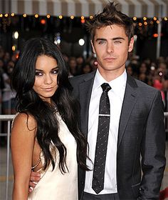 Vanessa Hudgens and Zac Efron were definitely a Disney golden couple. The two met while filming the first High School Musical television movie in 2005 and High School Musical, Zac Efron Vanessa Hudgens, Vanessa Hudgens Style, Troy Bolton, Famous Couples, Hot Couples, Power Couples, Alexandra Daddario, Gabriela Montez