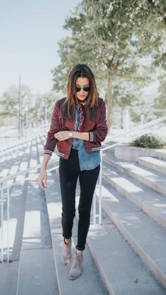 Bomber jacket denim shirt black jeans grey boots street look chic