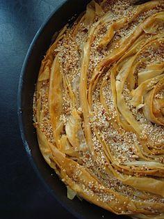 Σουσαμόπιτα σουρωτή - Miss Tasty Ethnic Recipes, Desserts, Food, Tailgate Desserts, Deserts, Essen, Postres, Meals, Dessert