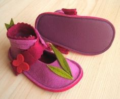LaLa ROSE - wool felt baby shoes fo girls - SMALL...