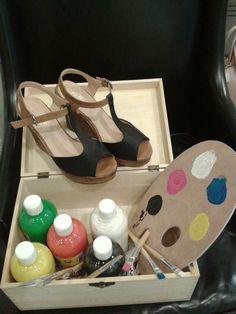 Zapatos cuña de colores comibnados, aquí podemos ver negro con tostado, colores básicos que te combinan con todo!! desde 20.99 €