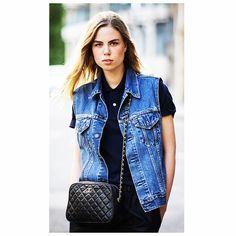 STREET DETAILS #emmetrend #fashionicon #fashionblogger #details #streetchic #streetwear #streetstyle #streetfashion #styleblog #model #moda #jewerly #style #outfit #denim #couture #jeans #gilet #blogger #voguistas #fashionista #styleicon #chanel #polo #vintage #chic #boho