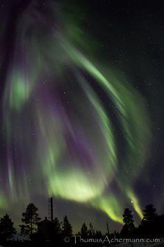 Auroras boreales. Muonio, Finnish Lapland, Finlandia. 16 de marzo de 2012  Foto: Thomas Achermann  Visto en: @El_Universo_Hoy