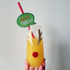 Use your Cricut to cut these reindeer antlers and Rudolph's nose out of vinyl and apply to champagne flutes for a festive addition to your Christmas celebrations! Christmas Ideas, Christmas Crafts, Christmas Decorations, Christmas Ornaments, Christmas Wine Glasses, Holiday Gifts, Holiday Decor, Champagne Flutes, Merry And Bright