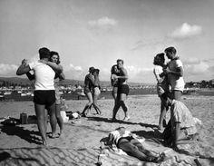 Balboa Beach indeed! Glendale Junior College students dance on California's Balboa Beach in 1947 ] Shall We Dance, Lets Dance, Life Magazine, Balboa Beach, Vintage Dance, Vintage Glam, Vintage Pins, Vintage Stuff, Vintage Travel