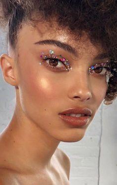 makeup tips 24 Fall Makeup Trends Shockingly Wearable Makeup Looks For Fall . Dewy Makeup, Fall Makeup, Makeup Art, Photo Makeup, Glitter Eye Makeup, Star Makeup, Clown Makeup, Glitter Nails, Witch Makeup
