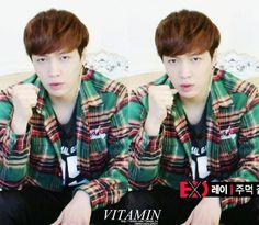 EXO's Showtime - Lay | cr: Vitamin_lu