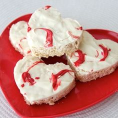 Sweet Heart Rice Krispie Treats are a deliciously easy to make for your Valentine this year!