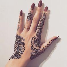 New tattoo mandala simple life Ideas Henna Ink, Mehndi Tattoo, Henna Tattoo Designs, Henna Mehndi, Tattoo Ideas, Henna Hand Tattoos, Unique Mehndi Designs, Henna Designs Easy, Beautiful Henna Designs