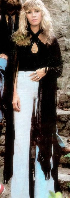 I swear, when.i was in high school, I made my own bellbottoms when everyone else was wearing their saggy jeans..proof here that boho never goes out of style! A rare Stevie Nicks fashion moment in super high-waist pants.