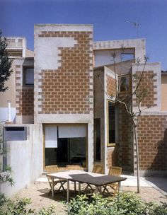 Enric Miralles - La Clota house renovation, Barcelona 1999. Via.
