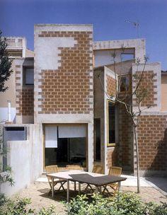 Enric Miralles - La Clota house renovation, Barcelona 1999. Via.