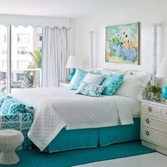 turquoise room decor - turquoise living room - turquoise bedroom ideas