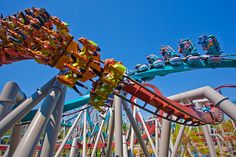 Dueling Dragons Roller Coaster - Dragon Challenge at Wizarding World of Harry Potter