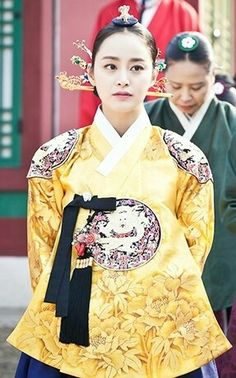 Korean Traditional Dress, Traditional Clothes, Korean Hanbok, Korean Dress, Korean Fashion, High Fashion, Womens Fashion, Dong Yi, Kim Tae Hee