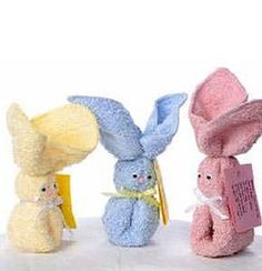 My favorite thing ever when I was little and had a boo boo! BABY SHOWER PARTY FAVOR my mom used to bring me boo boo bunny . It always made it better Fiesta Baby Shower, Baby Shower Party Favors, Baby Shower Parties, Baby Shower Gifts, Baby Crafts, Easter Crafts, Easter Gift, Boo Boo Bunny, Towel Animals