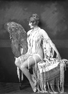 "Ruth Etting performed in the Ziegfeld Follies of 1927/31. Ziegfeld Follies Beauties  What Makes A ""Ziegfeld Girl"" by Florenz Ziegfeld, Jr. from the New York Morning Telegraph 1925."