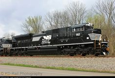 RailPictures.Net Photo: NS 1112 Norfolk Southern EMD SD70ACe at Chattanooga, Tennessee by KD Rail Photography