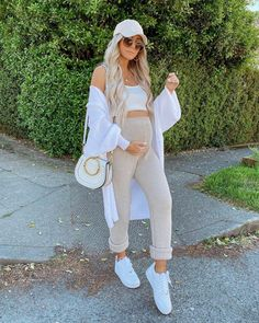 Cute Maternity Outfits, Pregnancy Outfits, Emily Rose, Baby Family, Mom And Baby, Weekend Is Over, Sustainable Fashion, White Jeans, Cold Shoulder Dress