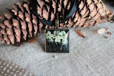 Flower pendant pressed flowers boho violet necklace by Miodunka
