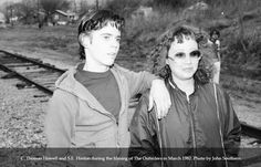 Ponyboy and S.E. Hinton - Even though Thomas is only an actor this made my heart so happy to see S.E. Hinton with her Ponyboy <3