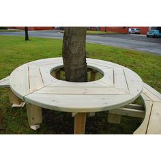 Tree seats or picnic tables never looked – or felt – this good. A smooth, rounded and big fun tree seat and picnic table – all in one