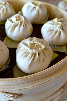 Carrot Ginger Pork Buns is one of the best fillings we've ever made. The sweetness of the carrot combined with ginger makes these pork buns just heavenly. Steamed Pork Buns, Fried Pork, Ginger Pork, Carrot And Ginger, Cooked Carrots, Asian Cooking, Dim Sum, International Recipes, Food And Drink